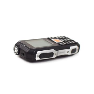 Hardphone GSM telefon / strapabíró kialakítás