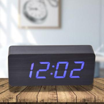 Fa borítású LED-es ébresztőóra