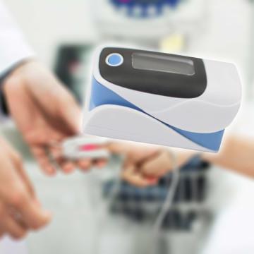 Ujjra csíptethető pulzoximéter / oxigénszint- és pulzusmérő