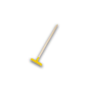 Fanyelű műanyag játék gereblye / 58 cm-es nyéllel