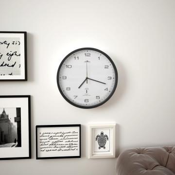 Fehér és fekete rádióvezérelt falióra kvarcszerkezettel 31 cm - ingyenes szállítás