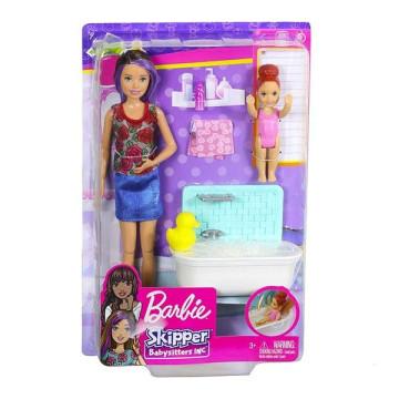 Barbie bébiszitter játékszett babával és káddal