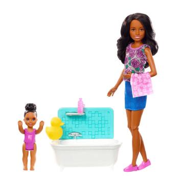 Barbie bébiszitter játékszett néger babával és káddal