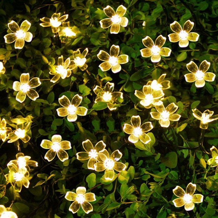 Kültéri napelemes cseresznyevirág fényfüzér 5 m meleg fehér